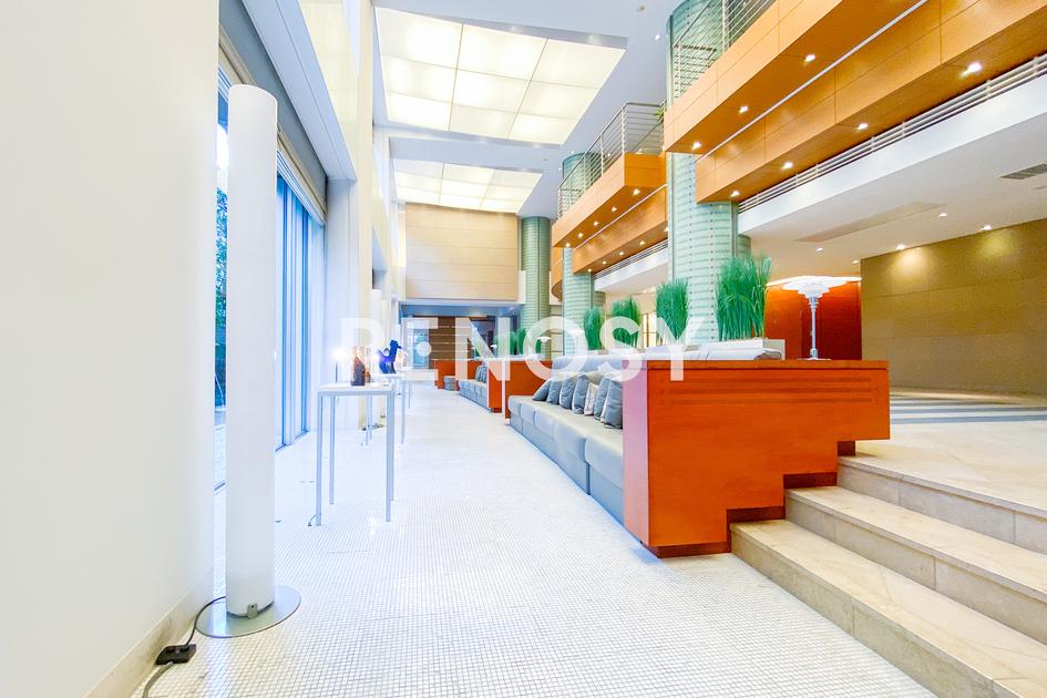 青山パークタワー 18階 2LDK 645,000円の写真9-slider