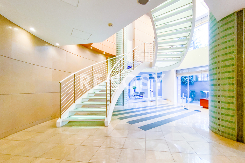 青山パークタワー 18階 2LDK 645,000円の写真12-slider
