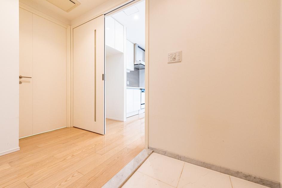 赤坂タワーレジデンス トップオブザヒル 4階 1LDK 360,000円の写真12-slider