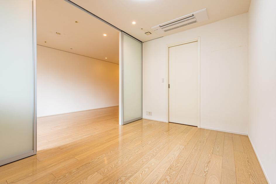 赤坂タワーレジデンス トップオブザヒル 6階 3LDK 999,100円〜1,060,900円の写真20-slider