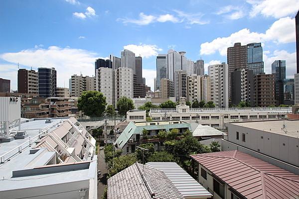 ロイヤルパークス北新宿の写真13-slider