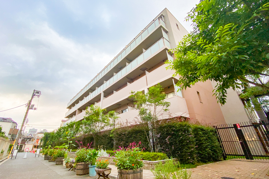 ロイヤルパークス北新宿の写真1-slider
