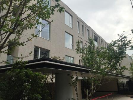 ザ・パークハウスグラン南青山の写真2-slider