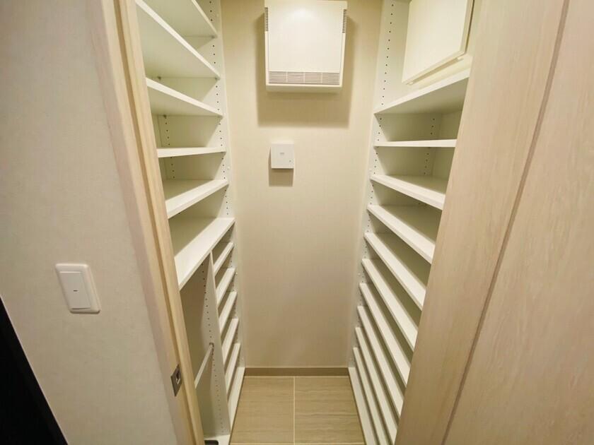 ミッドタワーグランド 6階 1LDK 215,000円の写真4-slider