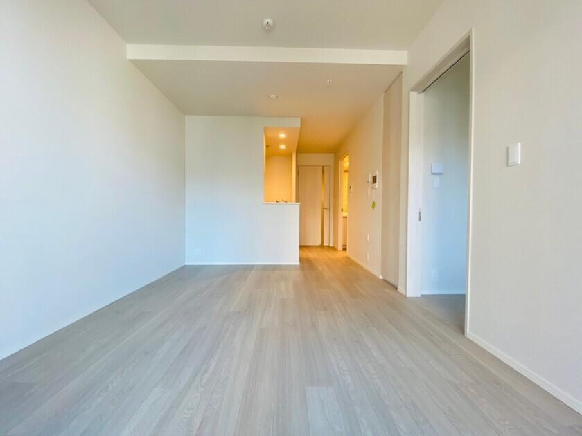 ミッドタワーグランド 6階 1LDK 215,000円の写真1-slider