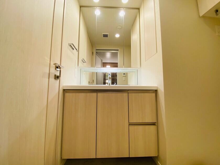 ミッドタワーグランド 6階 1LDK 215,000円の写真9-slider