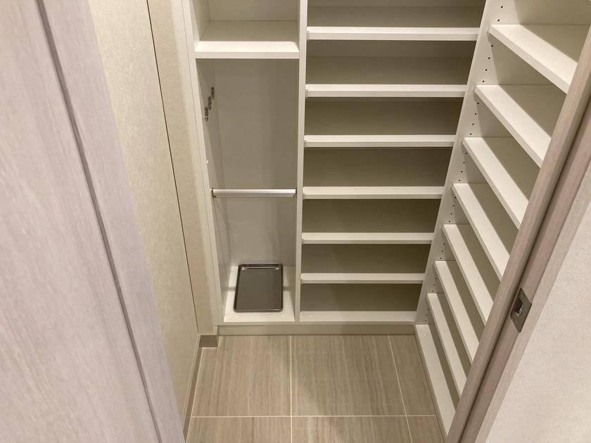 ミッドタワーグランド 16階 1LDK 216,000円の写真4-slider